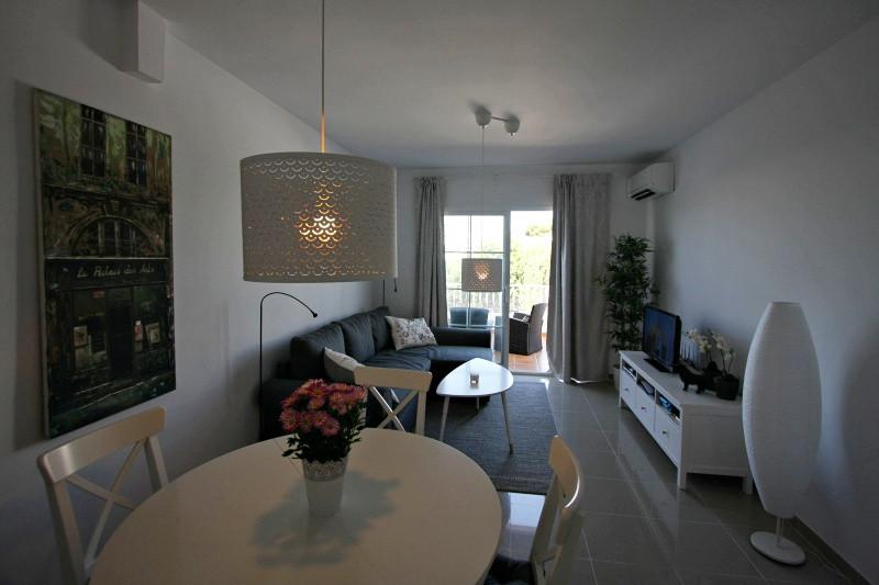vm-livingroom-1.jpg