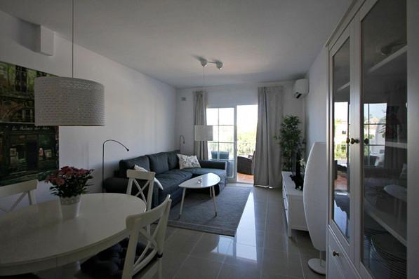 v-m-livingroom.jpg