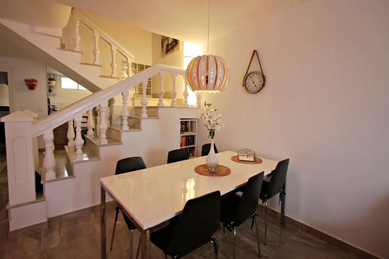 bv-8-livingroom.jpg