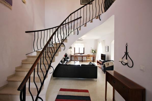 las-lilas-stairs.jpg
