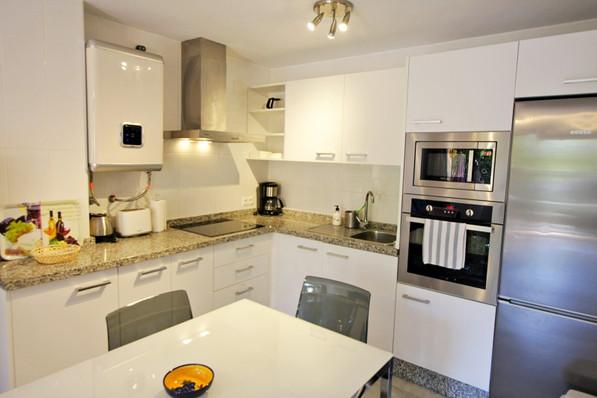 ubeda-16-kitchen-1.jpg