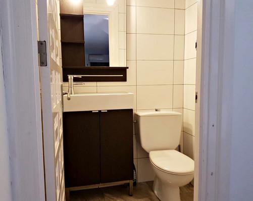 bv8-bathroom-2.jpeg