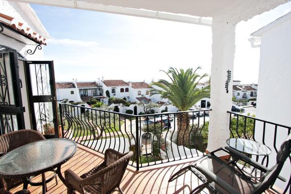 las-lilas-balcony.jpg