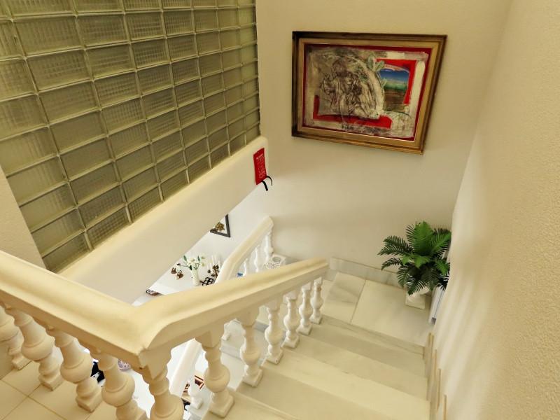 bv10-stairs.jpg