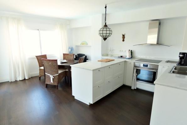 perez-19-kitchen.jpg