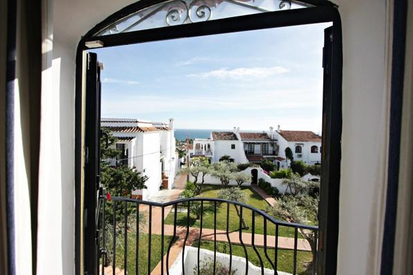 las-lilas-bedroom-view.jpg