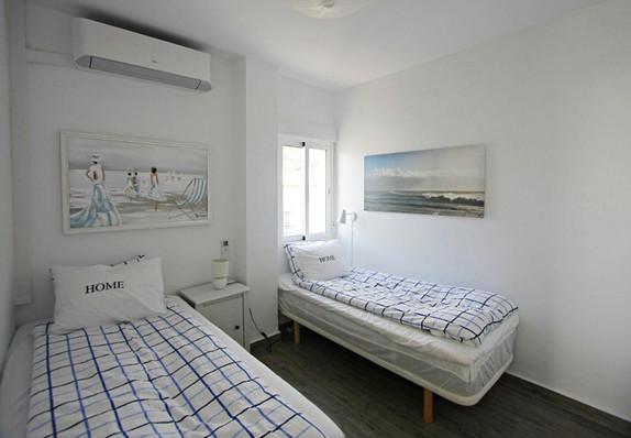 p66-guest-bedroom.jpg