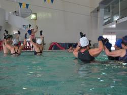 レインボー水中体操