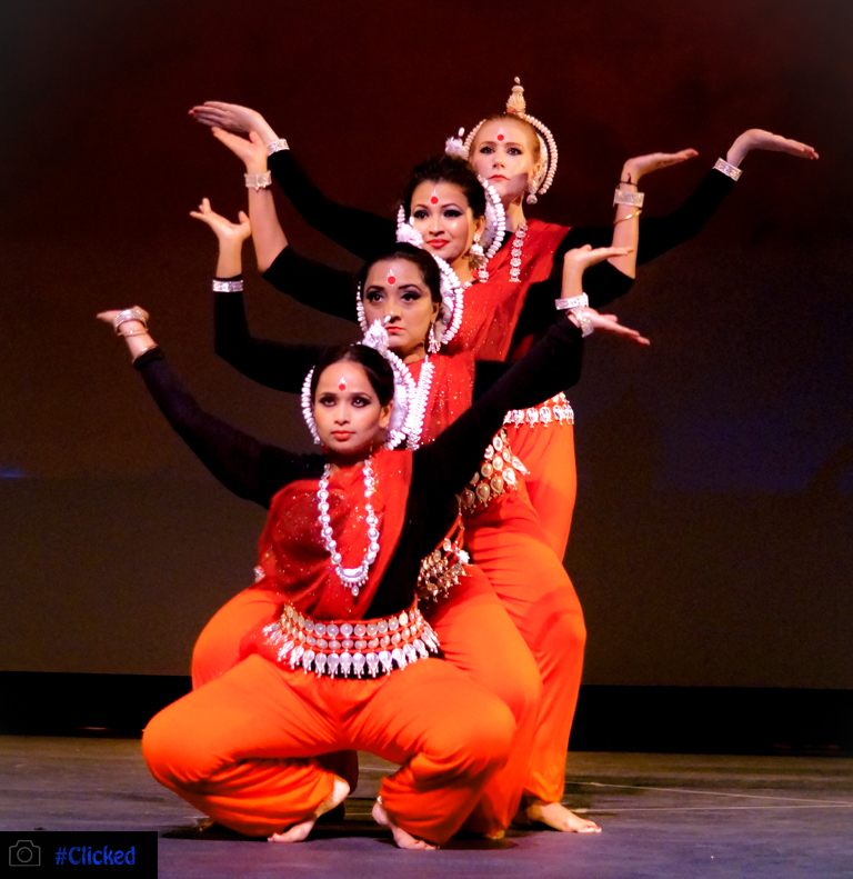 Odissi performance at Ravishing
