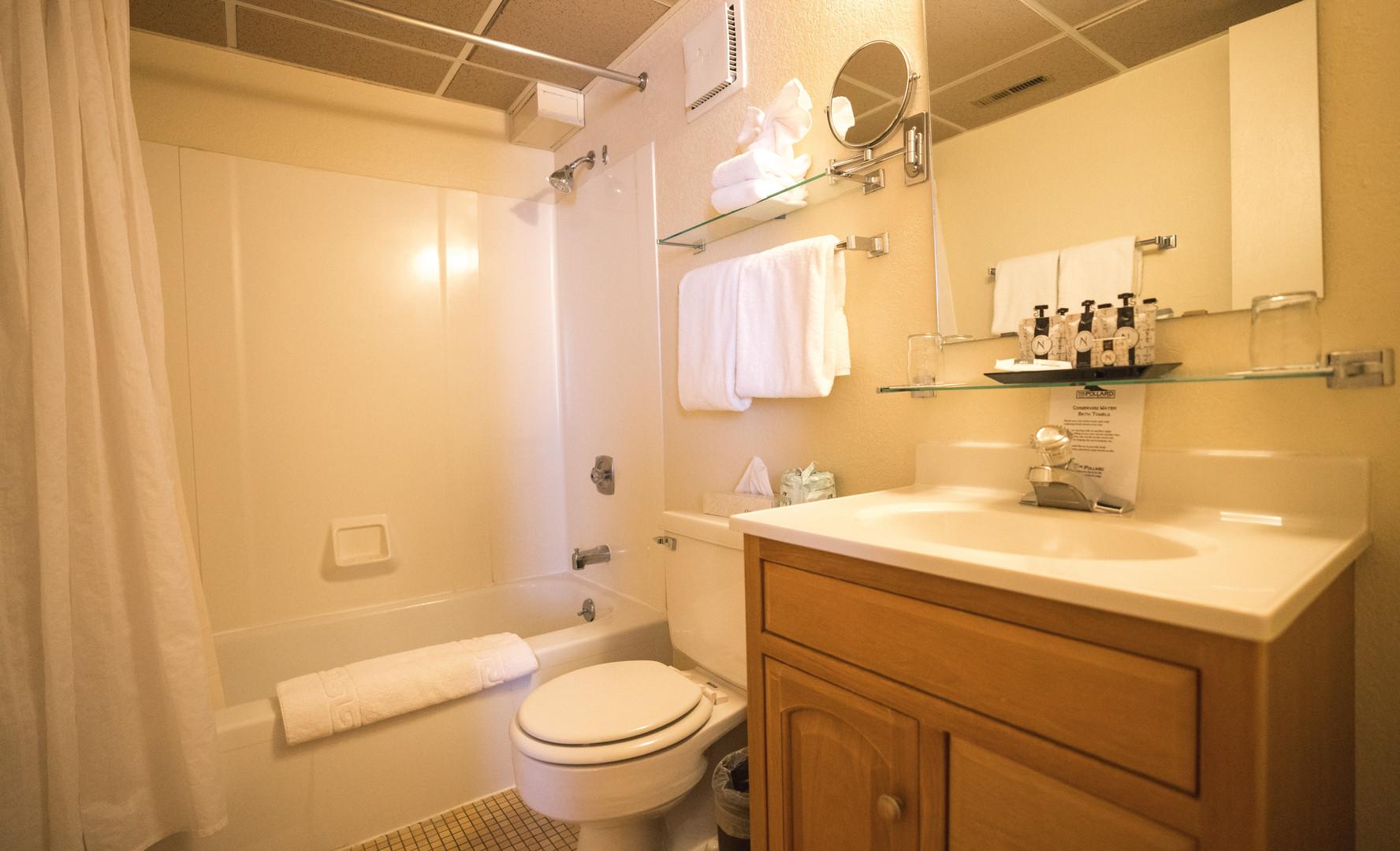 SQ Bathroom 2.jpg