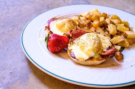 Eggs Benedict 5.jpg