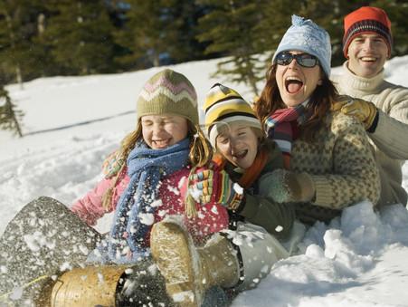 Вспомним зимние виды игр и спорта. Пришло самое время надеть варежки и отправиться на улицу!
