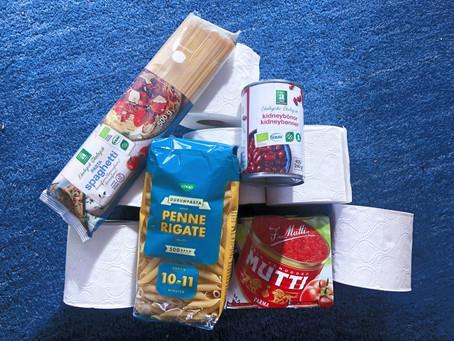 Coronaberedskap: 10 toalettrullar och 5 paket pasta?