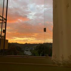 Todo dia uma pintura natural diferente - Foto de um amanhecer encantador