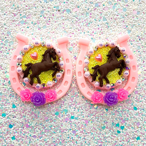 Lucky Horseshoe Cameos in Purple & Pink - **SEE DETAILS**