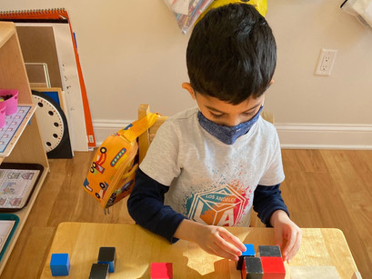 Montessori in a Minute: Binomial and Trinomial Cubes