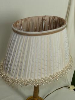 Ovale plissé à perles