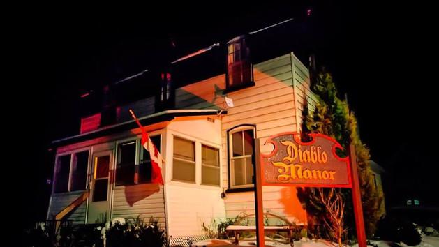 Diablo Manor sign.jpg