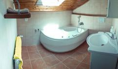 Admirálské apartmá - koupelna s vířivou
