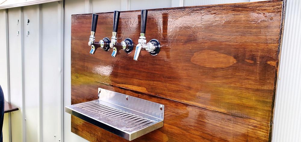 outside draft beer bar