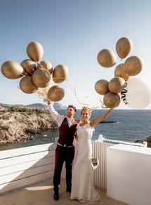 Emilie + Leo ballon shot at Elixir Ibiza