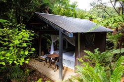 lake waikaremoana great walk luxury camp