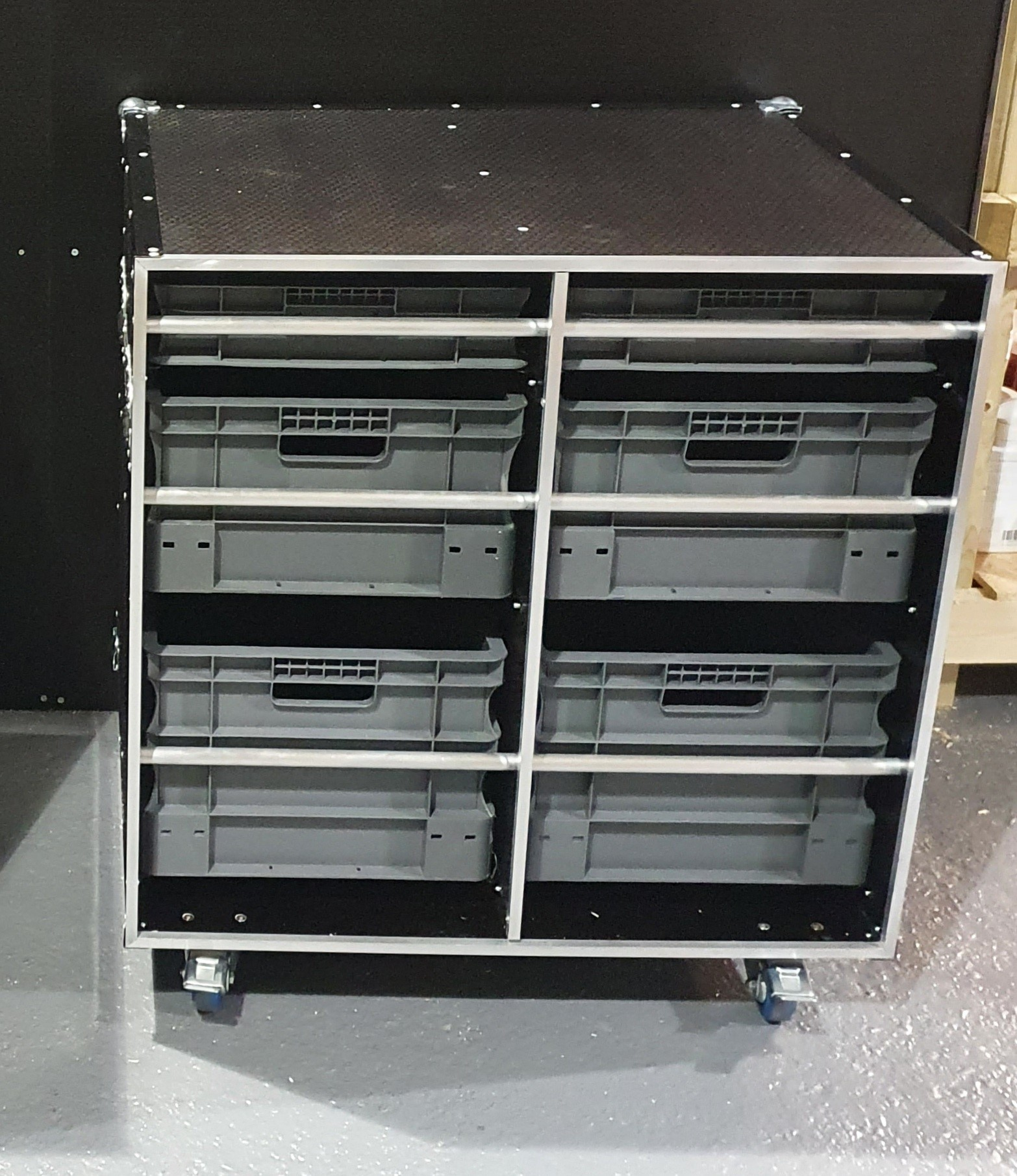 Open front flight case cabinet
