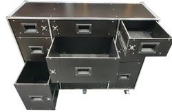 Flight case with lockable draws