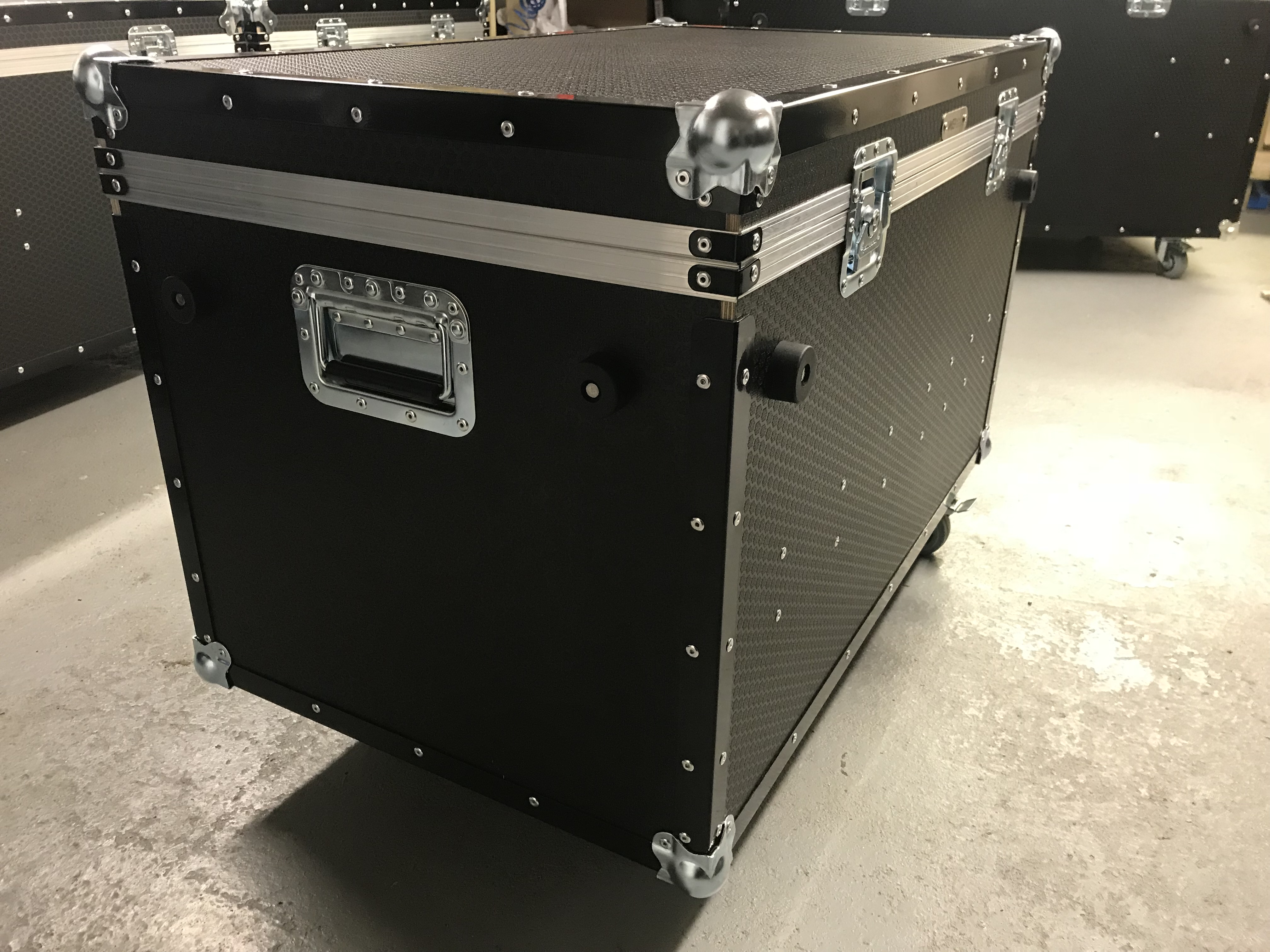 Corner weight scale flightcase
