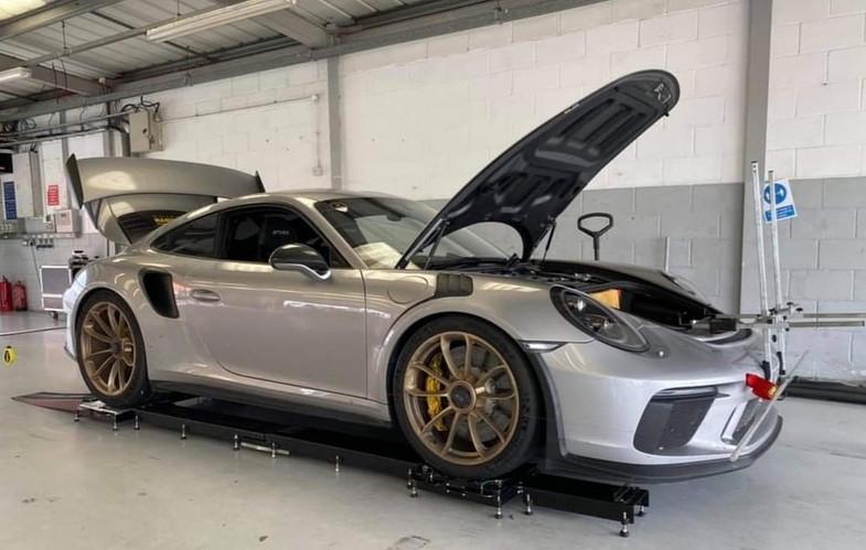 Porsche GT3 wheel alignment