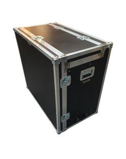 Enclosed data flight case