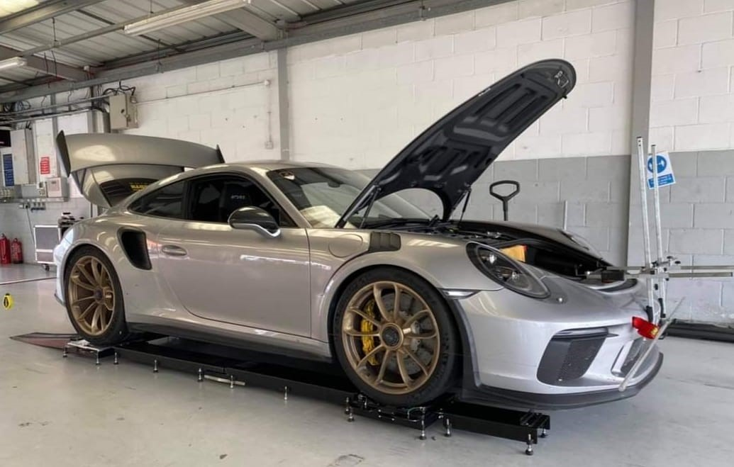 Porsche GT3 wheel alignment