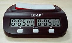 שעון שחמט דיגיטלי פשוט