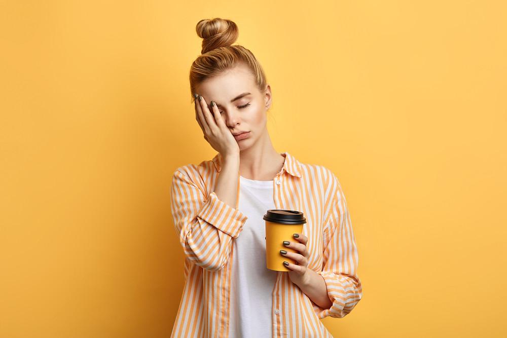 קפה הראשון של הבוקר  לפני התמלול