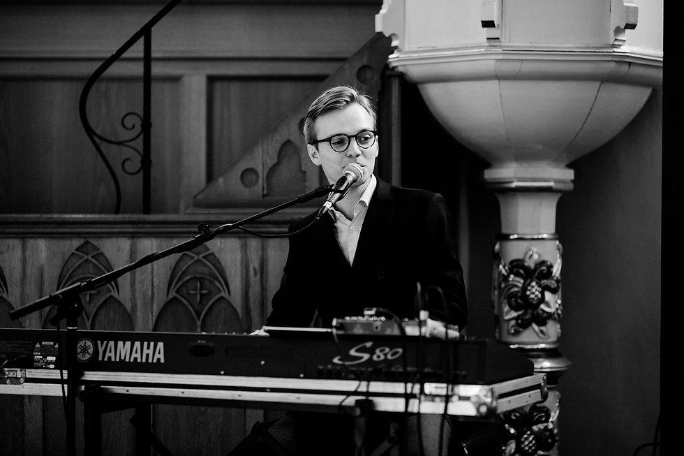 Felix Schmitz Pianist Hochzeit Kirche Trauung