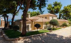 Lux Villa in Aulis-8