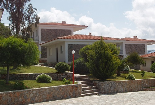 Holiday Village 7