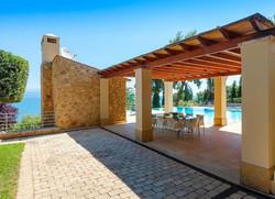 Lux Villa in Aulis-7