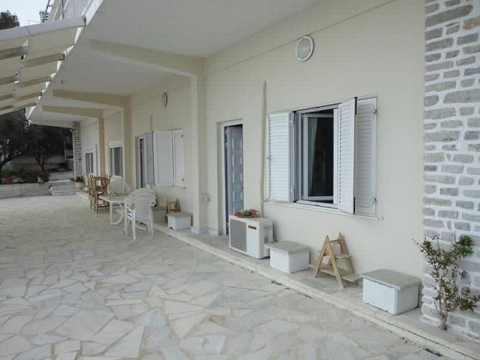 Villa in Kineta - 3