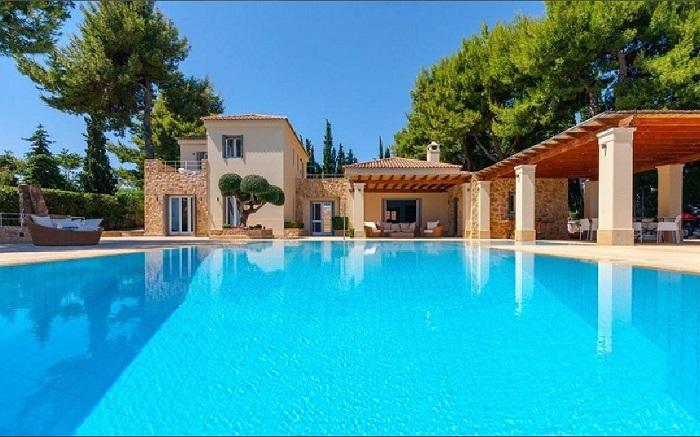Lux Villa in Aulis-1