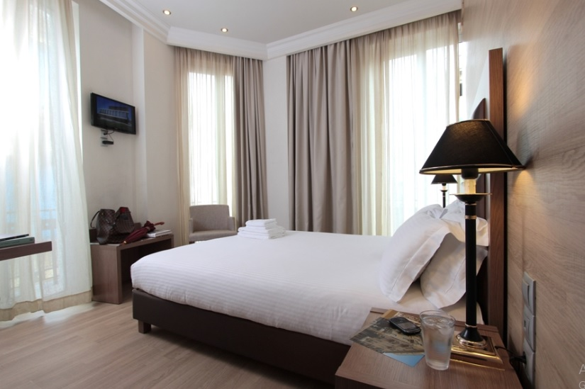 4star Hotel-Metaxourgio - 11