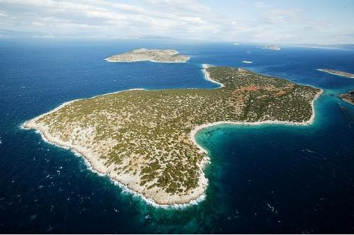 Agios Thomas Island - 8