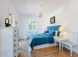 Lux Villa in Aulis-14