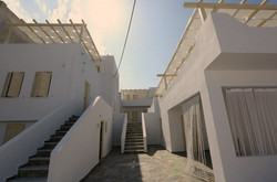 Hotel in Milos - 1