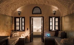 One Bedroom Villa with Cave Pool-4