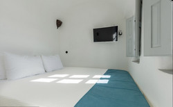 Petite double room with Caldera view-2
