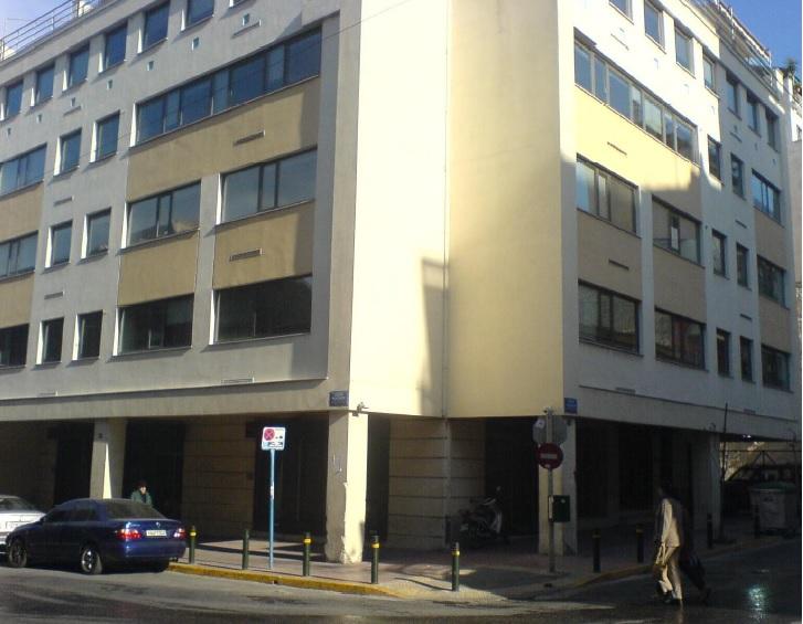 Building in Karaiskaki Sq.