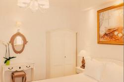 Hotel in Milos - 13