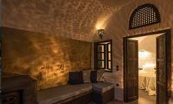 One Bedroom Villa with Cave Pool-2
