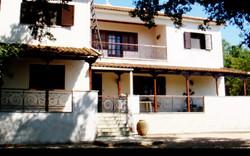 Villa in Varda-2